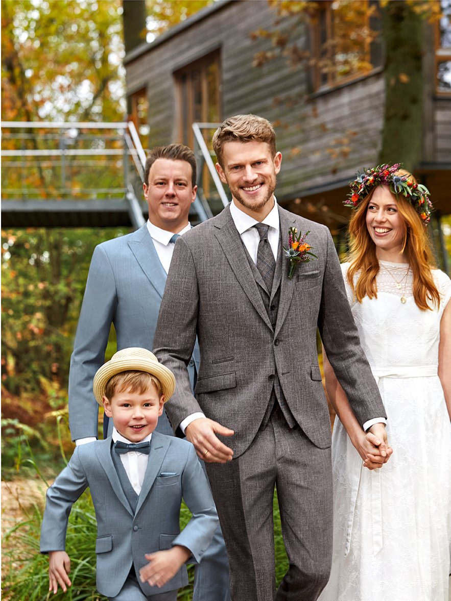 Sustainable wedding suit in the very trendy Boho style - our title look 1